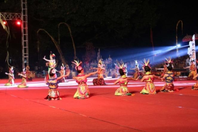 Dharma Santi - Taman Candra Wilwatikta
