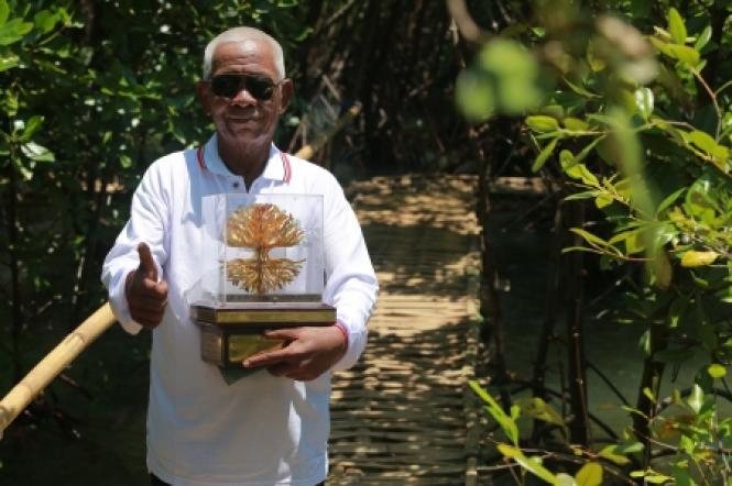 Kawasan Sabuk Hijau/ Hutan Mangrove Desa Penunggul - Kecamatan Nguling