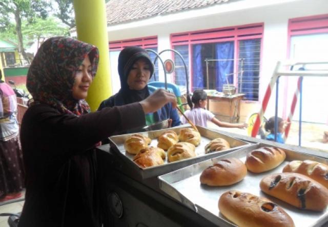Pelatihan Pembuatan Roti